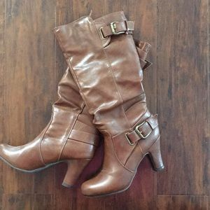 Women's size 6 heeled boots